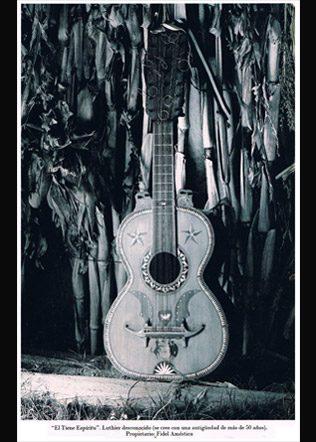 guitarron-El-Tiene-Espiritu