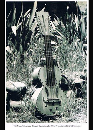 guitarron-Manuel-Basolato