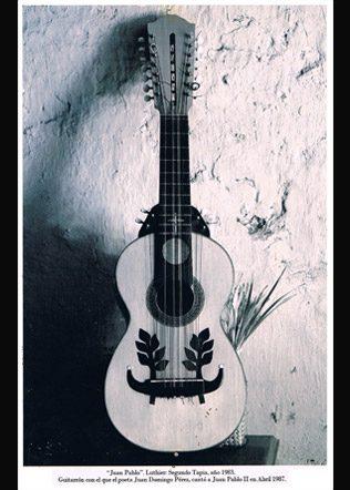 guitarron-Segundo-Tapia