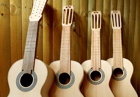 Guitarrones en proceso